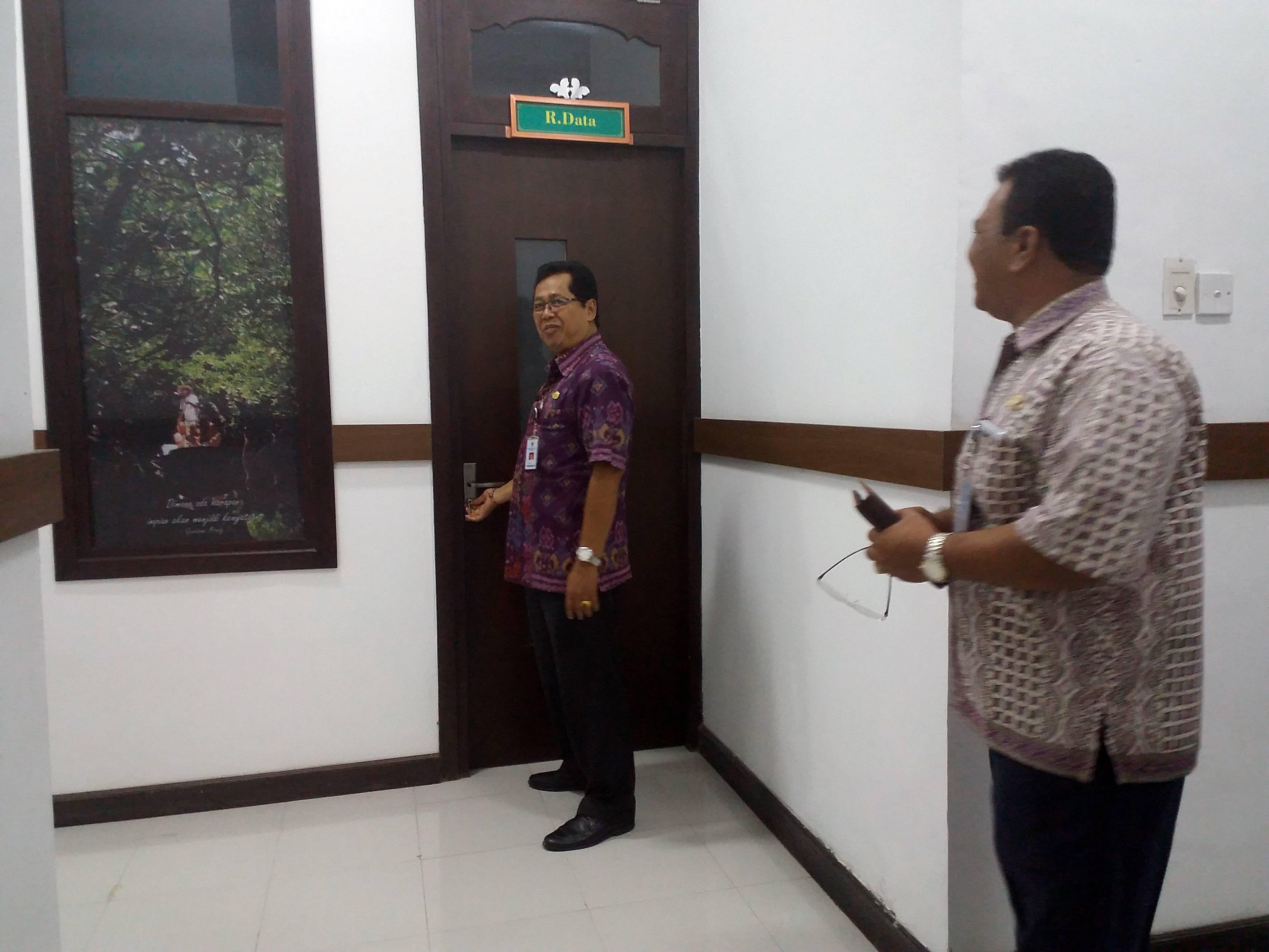 Kakanreg X BKN Drs. Made Ardita, M.Si meninjau ruangan Assessment Center